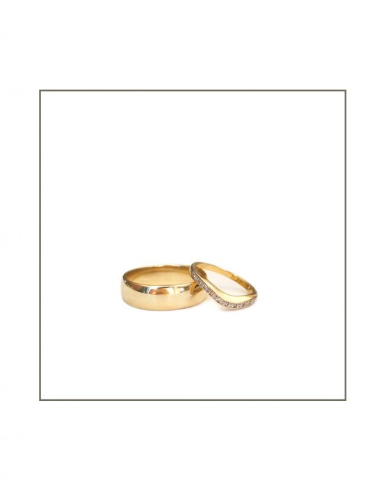 Modern Set - his & hers gold rings