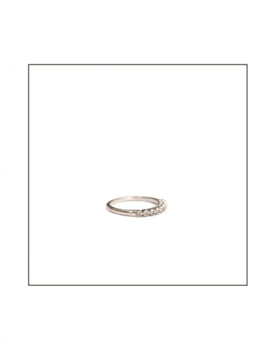 Tube Set Diamond Ring Side