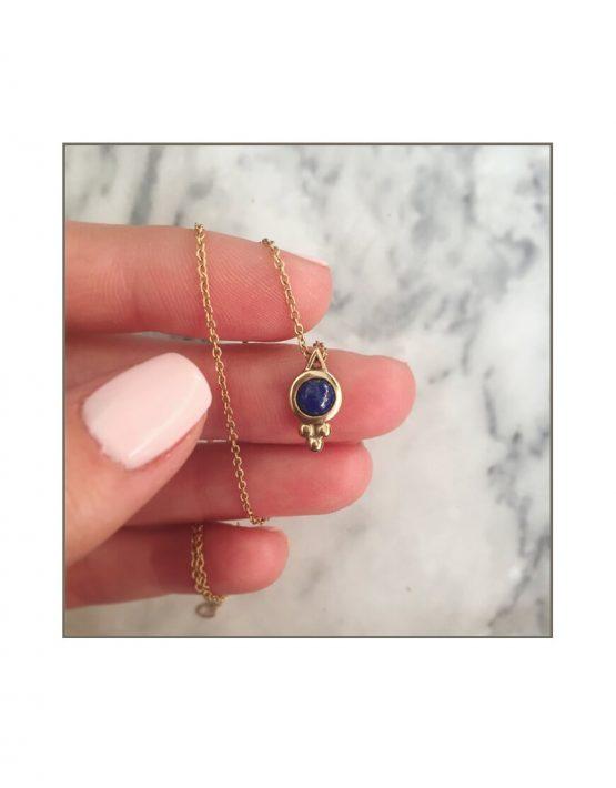 9ct yellow gold & lapis lazuli choker styled